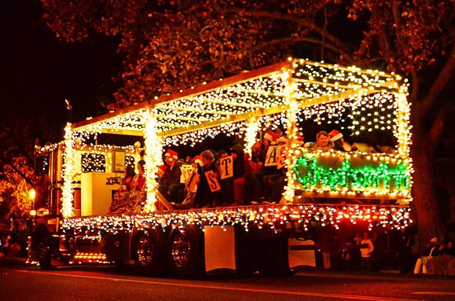 the holly jolly christmas parade - Pitman Christmas Lights